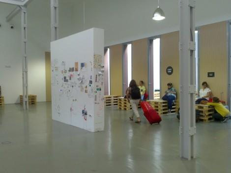 Vista general del vestíbulo del Laboratorio de Artes Visuales de Valladolid (LAVA).